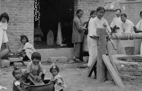 1931_40_ensenando_a_lavar