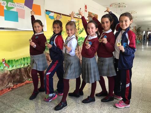 Alumnas participan en competición de gimnasia rítmica