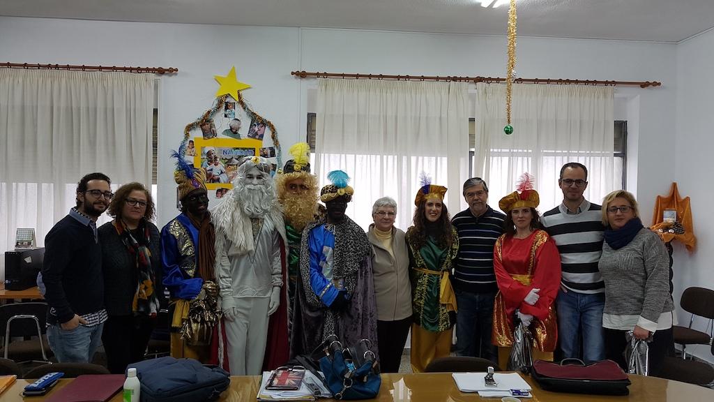 Los Reyes Magos visitan a los profesores