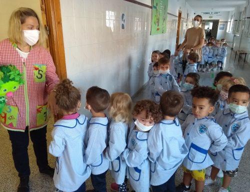Los más pequeños visitan el «corazón» del colegio